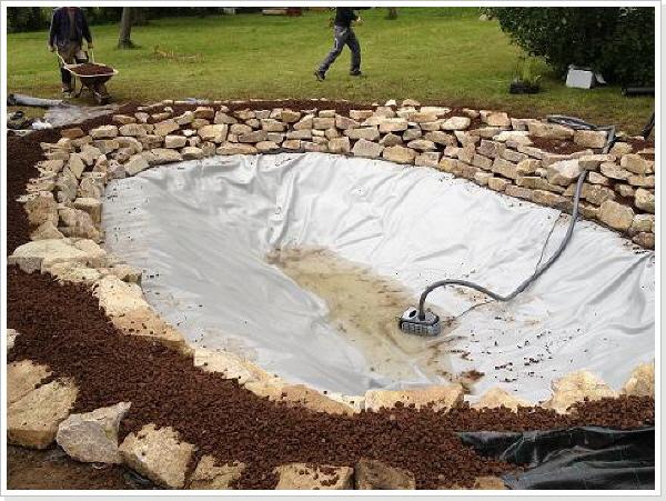 Teich sanieren teichsanierung eines gartenteiches for Bruchsteine teich